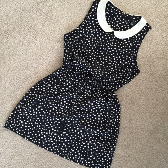 dbbe4049546 Forever 21 Dresses   Skirts - Forever 21 Navy blue Polka Dot Dress Size  Small