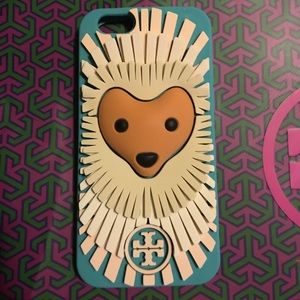 Tory Burch Accessories - Lola The Lion Silicone IPhone 6 Phone Case