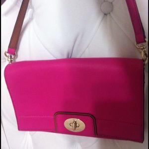 kate spade Handbags - ♦️New Stunning Turn Lock Crossbody Kate spade♦️♦️