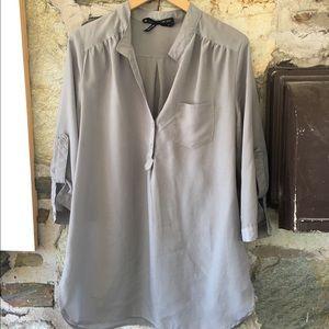 Ali & Kris Tops - Ali + Kris grey v-neck button down blouse. Sz L