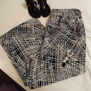 ️Plus Size Palazzo Pants Black & White