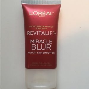 L'Oreal Other - NEW L'Oréal Miracle Blur Instant Skin Smoother