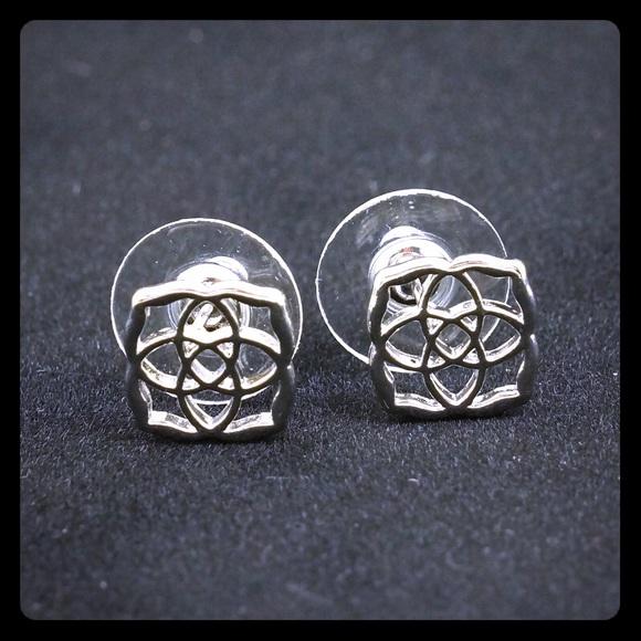 397429e9b Kendra Scott Jewelry - Kendra Scott Dira stud earrings Silver Tone