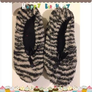 Tiger themed slippers size small (5-6)
