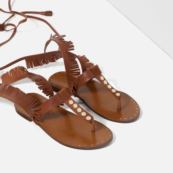 ff54f1374bc6 NWT Zara Fringed Gladiator Flat Lace Up Sandals