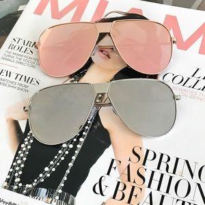 Style Link Miami Accessories - MIRROR LENS AVIATOR SUNGLASSES
