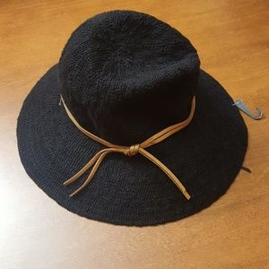 Collection XIIX Accessories - Black hat Collection XIIX 3.5 i ch brim NWT