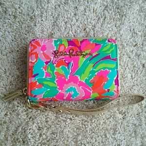 "Lilly Pulitzer Handbags - Lilly Pulitzer ""Lulu"" Wristlet"