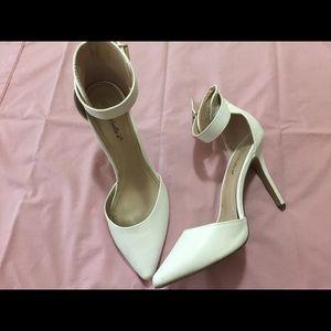 Breckelles Shoes - Heels