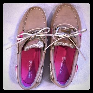Sperry shoes size 4 youth=6 women's