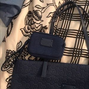 🌸NWOT Michael Kors Tote with matching wallet🌸