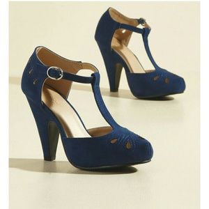 Modcloth The Zest Is History Heels ~ Navy T-strap