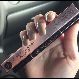 Anastasia Beverly Hills Other - Abh brow definer chocolate