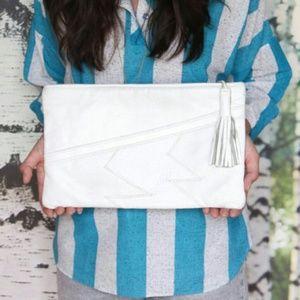 Handbags - 80's White Soft Leather Clutch Vintage Bag 👛