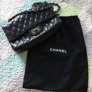 CHANEL Handbags - Chanel 2.55 reissue