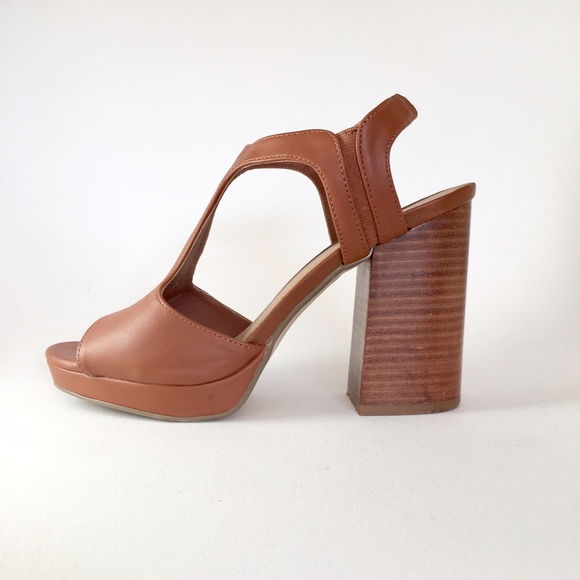 Urban Outfitters Shoes - Valerie Heel