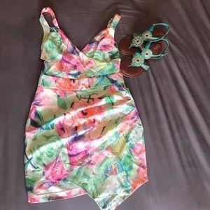 Dresses & Skirts - Floral mini dress