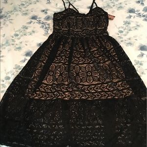 Dresses & Skirts - Black lace dress with nude lining
