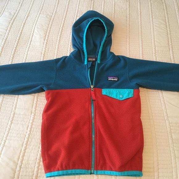 5dd304c82 Patagonia Toddler Micro D® Snap-T® Fleece Jacket. M_5932fdb29c6fcf670402fa68