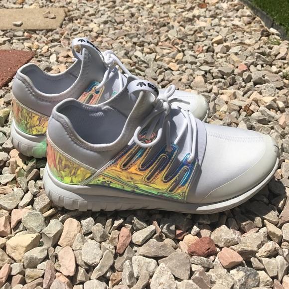 Adidas zapatos unisex originales tubular poshmark iridiscente sneaker