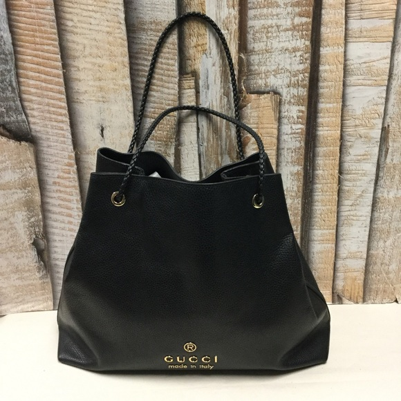b46c859f1be Gucci Handbags - 💯% Auth Gucci Pebbled Leather Gifford Tote Bag