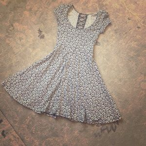 Aeropostale Dresses - Cute navy and white flower summer dress.  XS.