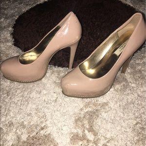 Simply Vera Vera Wang Shoes - 🌸Brand: Vera Wang, Size: 7, Color: Nude cream