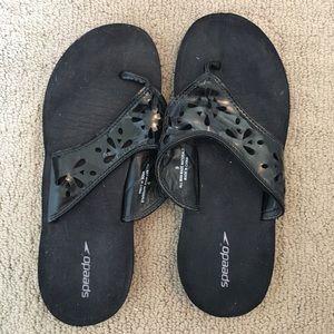 Speedo Shoes - Speedo black flip flops