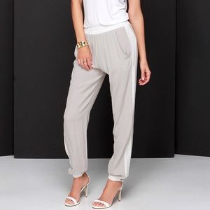 1 Madison Pants - Madison Square Passing By Jogging Pants