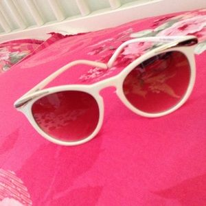 💖 5 for $25 Sunglasses