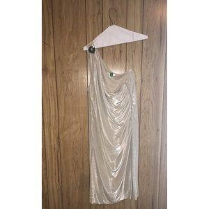 Dresses & Skirts - NWOT Elegant Shimmery Sleeveless One Shoulder Gown