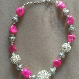 Jewelry - Pink stone and silver Sparkle necklace