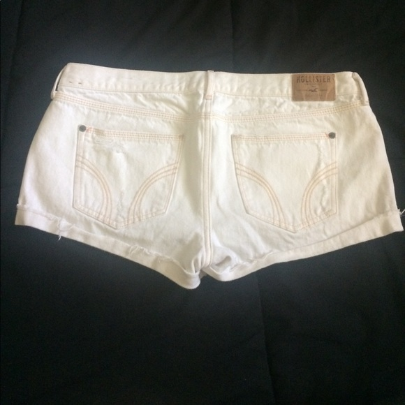 Hollister Pants - 💛💛💛Hollister jean shorts 💛💛💛