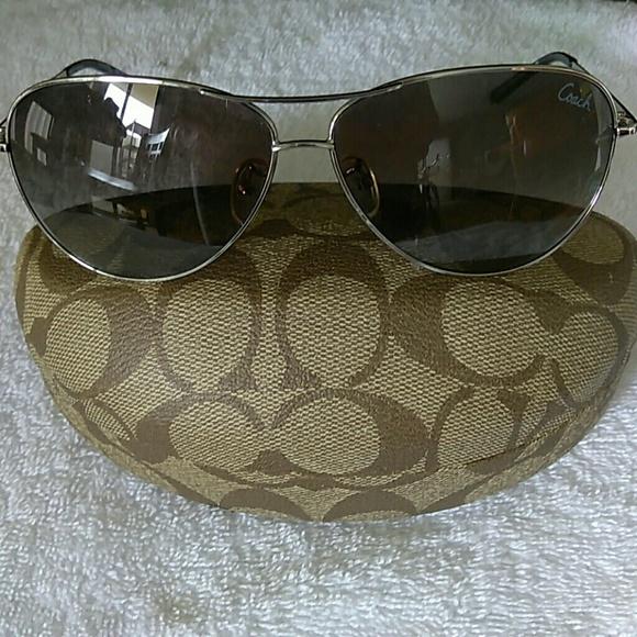 a21f9e80d1372 Coach Accessories - Coach authentic sunglasses HC 7017 L911 Juliana