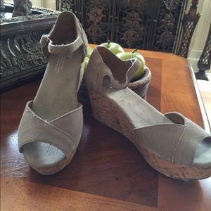 Toms 6.5 cork wedge sandals