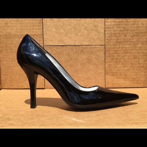 Children S Size Nine Shoe