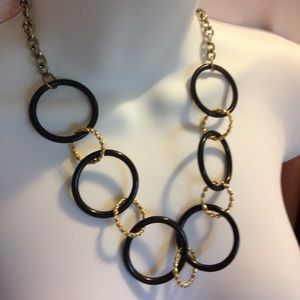 Jewelry - Black & Gold Circle Links Necklace