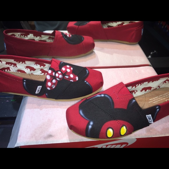 fcd523ba556 Custom Airbrush Disney Toms Mickey Minnie Mouse