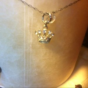 Other - Gorgeous silver and crystal chain with crown