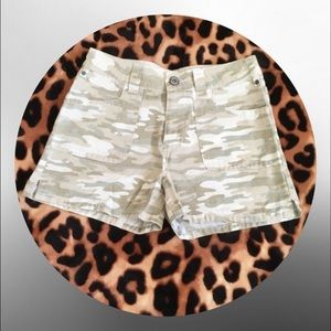 Pants - • High waisted camo shorts •