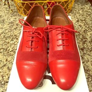 Urban Outfitters Pointer Suede Red Flats Size 7