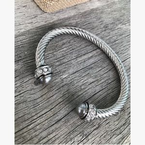 Jewelry - Beautiful  cable bracelet