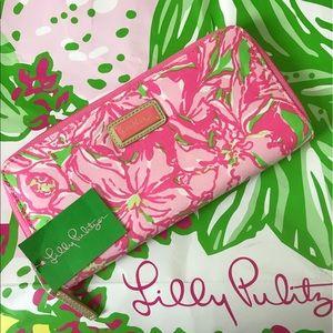 Lilly Pulitzer Handbags - Lilly Pulitzer Wallet