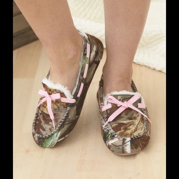 60 realtree shoes moccasins pink camouflage m 7 8