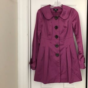 Purple trench coat with pockets