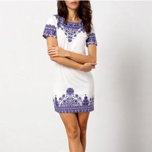 Dresses & Skirts - Shift dress with cobalt blue pattern