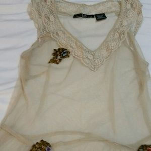 Tops - Ivory sheer tank with beautiful flower details