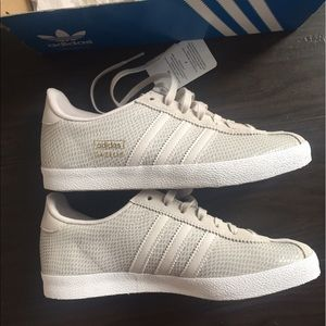 834366c53afd ... neo zapatilla super wedge mystery blue footwear white ihdczrl 99e66  sweden adidas shoes adidas gazelle og w pearl grey pink s81336 new c06b8  68eb6 ...