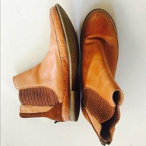 The Sak Shoes - Women's Tan Ankle Boots