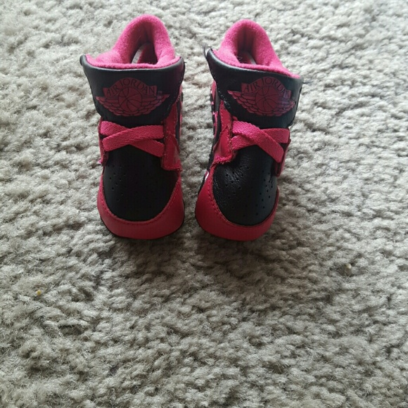 best service f680a 55dd6 Girls Air Jordan Crib Shoes